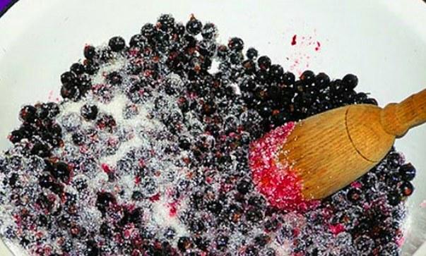 Смородина, протертая с сахаром - красное и черное варенье