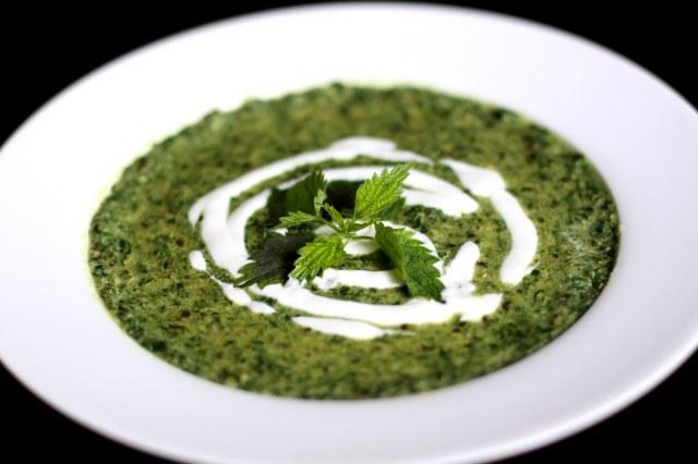 зеленый суп со сметаной