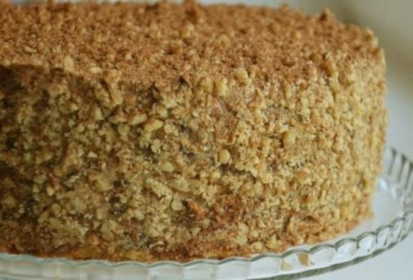 сметанный торт с орехами