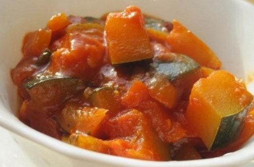 баклажаны и кабачки в томатном соусе