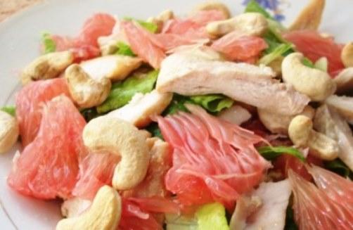 salat-s-kurinoj-grudkoj