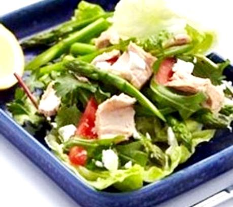 салат из спаржи с тунцом