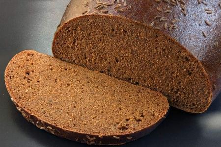 старый ржаной хлеб