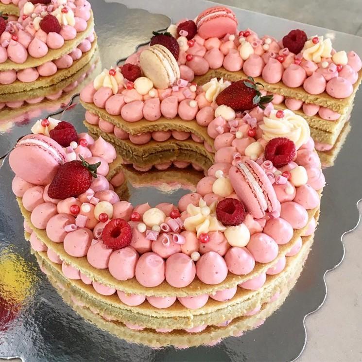 Торт-цифра: вкусно, ярко, легко