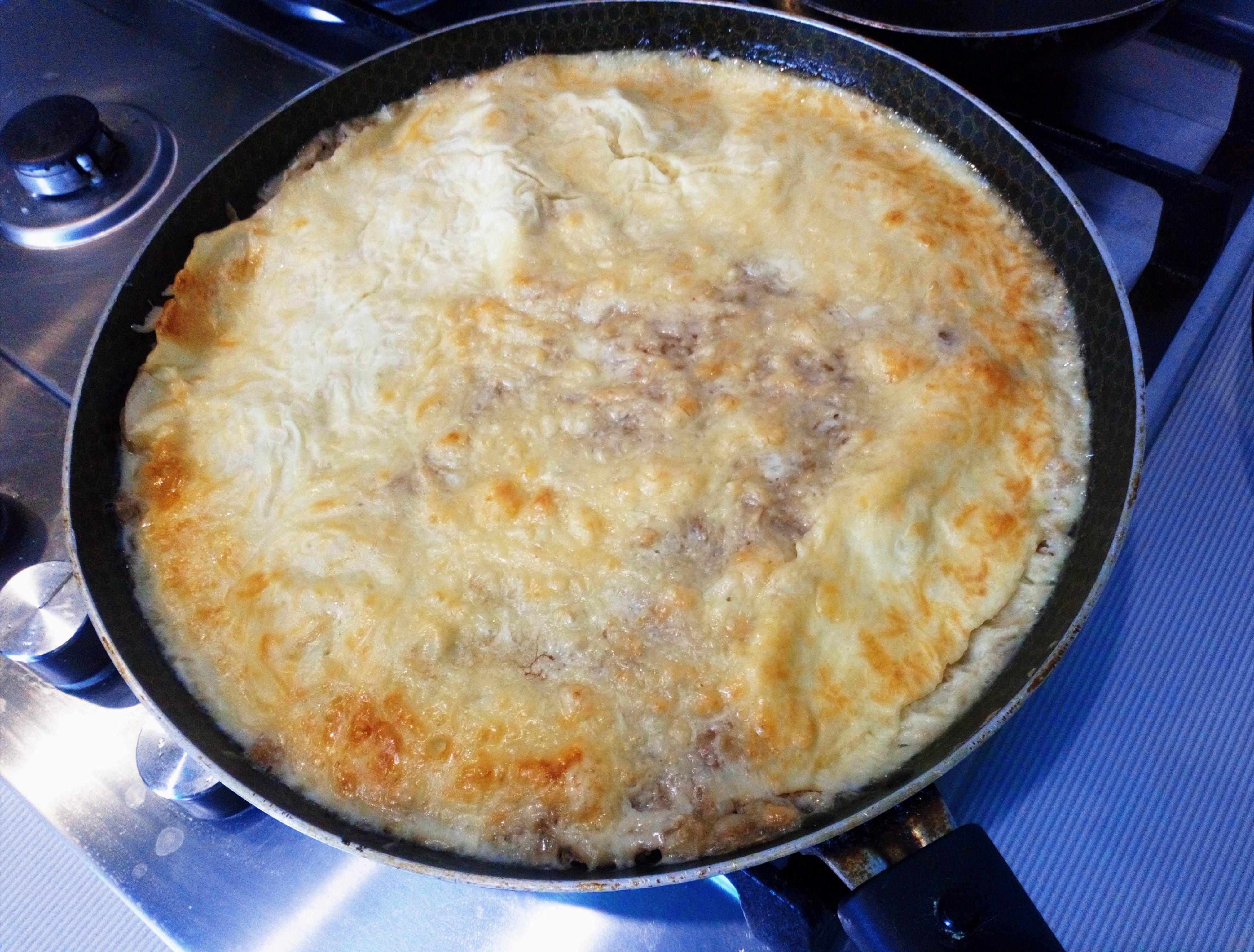 Мясная запеканка в сырной корочке с кабачком. Рецепт с фото пошагово