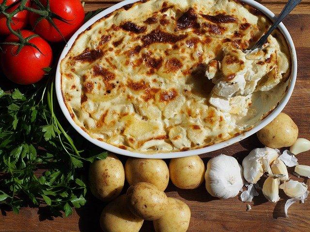 Как приготовить картофельный гратен с горбушей и брюссельской капустой?